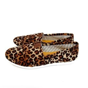 Forever Link NEW Leopard Print Slip On Shoes Size